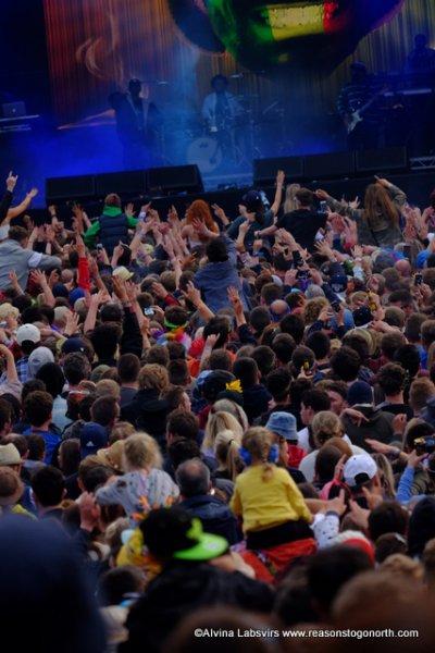 crowdSD.JPG