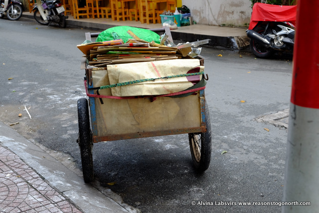 Random cart in HCMC
