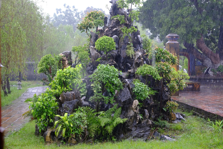 rock garden imperial cit y Hue